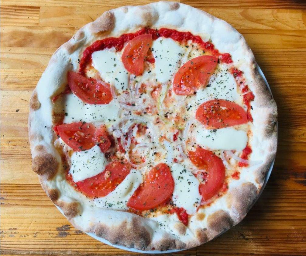 トマト&モッツァレラピッツァ